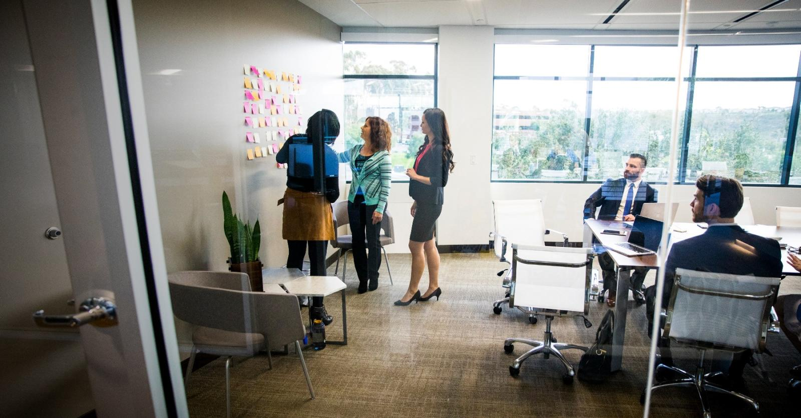 Moving to Agile? Learn how to adapt your Change Management practice.